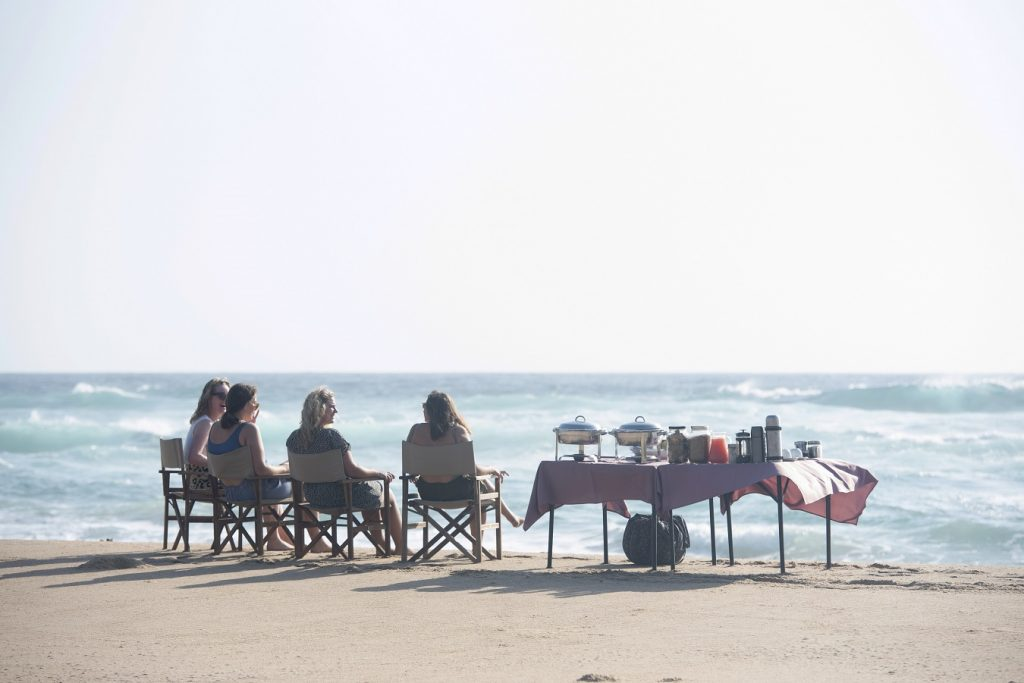 maputaland-travel-experiences-breakfast-on-the-beach