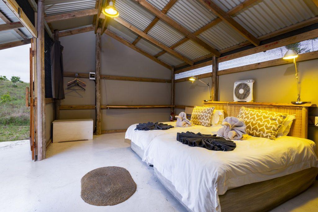 maputaland-travel-gugulesizwe-camp-room-interior-1